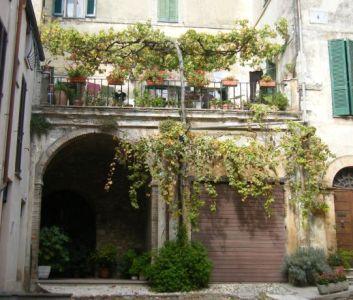 italian balcony s